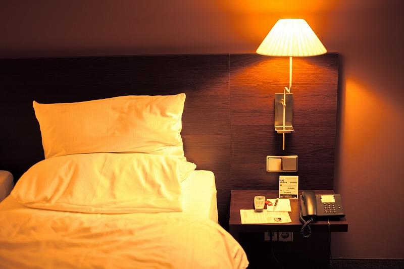 寝ている時に突然こむら返りに襲われたことありませんか?私は毎晩のように襲われて悩み続けていました。そんな私でも改善できた方法をご紹介します。