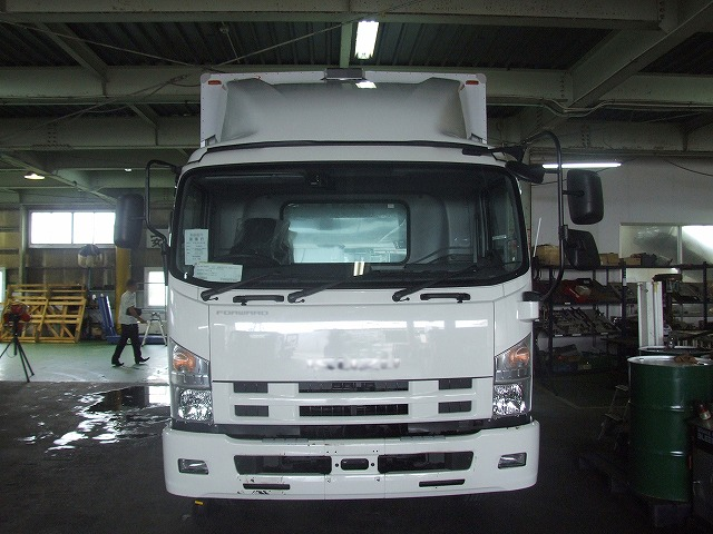 トラックの売却と購入を同じ業者にすると、かなり多くのメリットがあります。