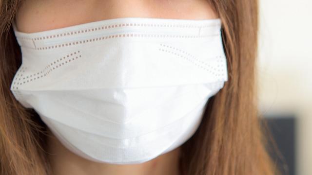ケアナノパックを教えてくれた職場の女性は、イチゴ鼻に悩みマスクで隠していたそうです。