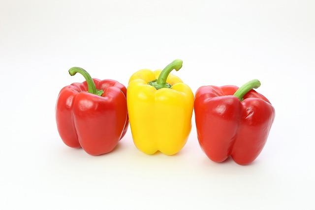 お肌にとって嬉しい成分が豊富なパプリカは、お肌のために作られた野菜と言われるほどなのです。