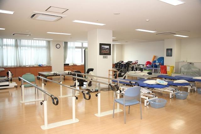 EMSは医療現場のリハビリテーションのために開発された技術です。