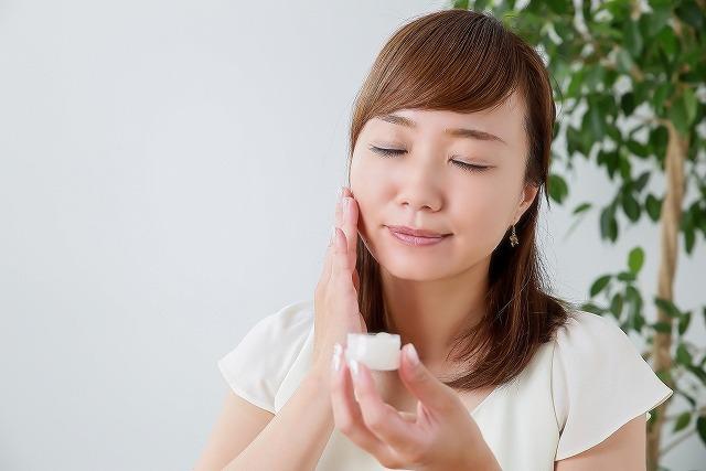 知ってますか?毛穴の洗浄は洗顔でできますが根本的な改善にはならないため悪循環を繰り返してしまうのです。