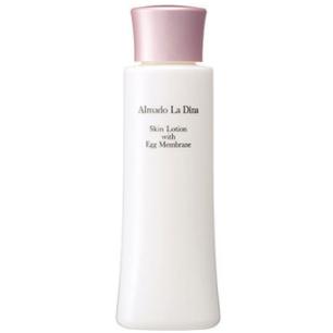 アルマード ラ ディーナ スキンローションは、濃厚な卵殻膜のチカラで、お肌にハリと潤いを与えてくれる美容液化粧水です。