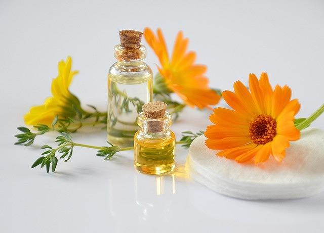 赤ら顔の原因である毛細血管の拡張にアプローチできる化粧水があります。