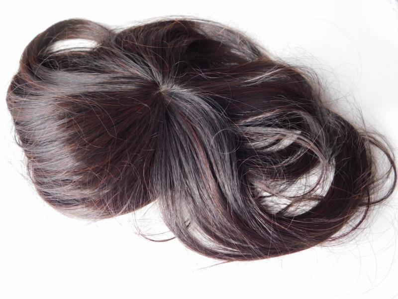 白髪隠し用のヘアウィッグを利用する