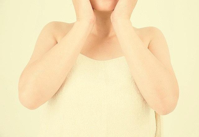間違ったスキンケアを実践してしまうと肌荒れや炎症を引き起こしてしまうなどの副作用がでます。
