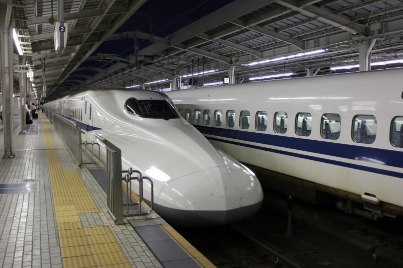 新幹線の帰省ラッシュを上手に回避する方法とは?