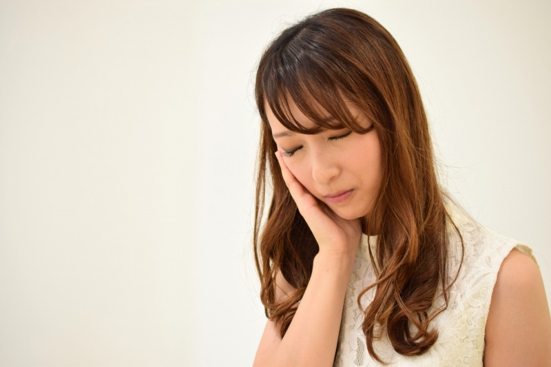 美顔器で歯が痛い?なぜEMSと超音波は虫歯や銀歯に響くのか?